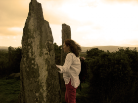 Alanna-stones-700x525